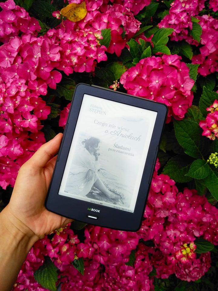 """Zdjęcie książki pt.: """"Czego nie wiesz o aniołach. Śladami przeznaczenia"""""""